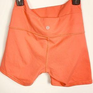Lululemon Wunder Under shorts womens size 6